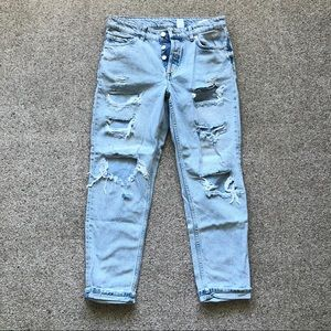 Light Washed Cropped Boyfriend Jeans Size 4 Ripped
